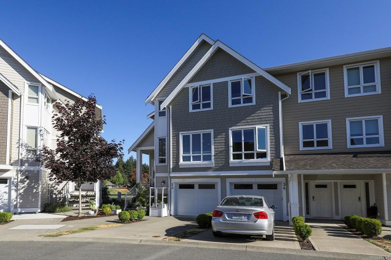 FEATURED LISTING: 33 - 700 Lancaster Way Comox