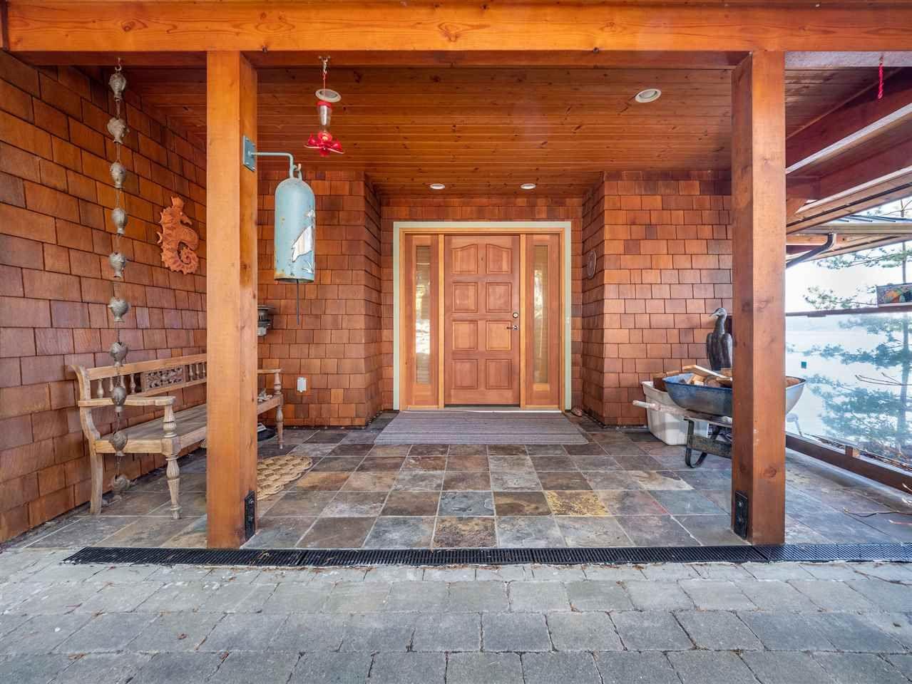 Main Photo: 5285 TAYLOR Crescent in Halfmoon Bay: Halfmn Bay Secret Cv Redroofs House for sale (Sunshine Coast)  : MLS®# R2550371