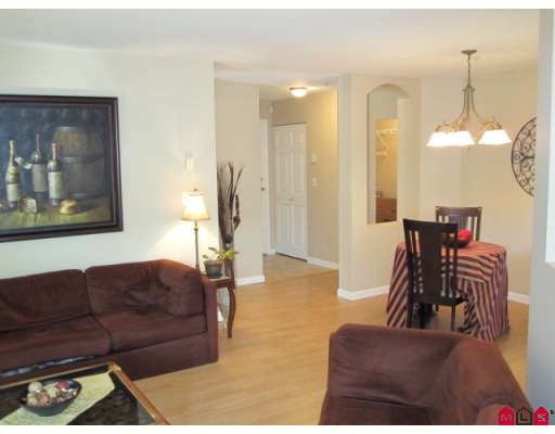 "Photo 5: Photos: 110 20110 MICHAUD Crescent in Langley: Langley City Condo for sale in ""Regency Terrace"" : MLS®# F2921008"