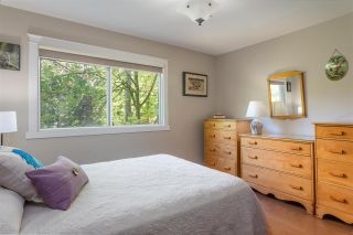 """Photo 10: 405 1930 MARINE Drive in West Vancouver: Ambleside Condo for sale in """"Park Marine"""" : MLS®# R2577274"""