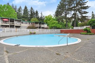 "Photo 17: 720 WESTVIEW Crescent in North Vancouver: Central Lonsdale Condo for sale in ""Cypress Gardens"" : MLS®# R2370300"