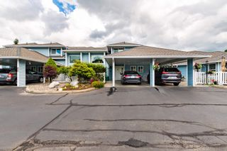 """Photo 2: 89 34959 OLD CLAYBURN Road in Abbotsford: Abbotsford East Townhouse for sale in """"Crown Point Villas"""" : MLS®# R2623831"""