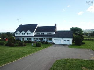 Photo 1: 190 Collins Road in Port Williams: 404-Kings County Residential for sale (Annapolis Valley)  : MLS®# 202125102