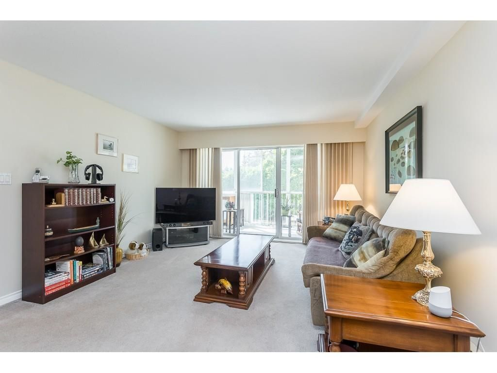 """Main Photo: 107 32070 PEARDONVILLE Road in Abbotsford: Abbotsford West Condo for sale in """"Silverwood Manor"""" : MLS®# R2606241"""