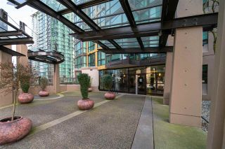 """Photo 3: 1609 1331 ALBERNI Street in Vancouver: West End VW Condo for sale in """"The Lions"""" (Vancouver West)  : MLS®# R2551404"""