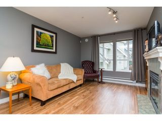 "Photo 4: 55 8844 208 Street in Langley: Walnut Grove Townhouse for sale in ""Mayberry"" : MLS®# R2254454"