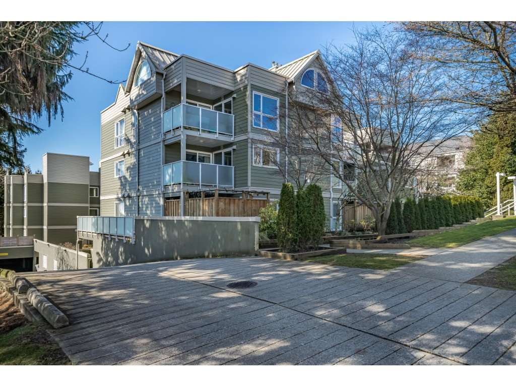 """Main Photo: 104 518 THIRTEENTH Street in New Westminster: Uptown NW Condo for sale in """"COVENTRY COURT"""" : MLS®# R2443771"""