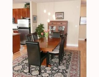 Photo 3: 307 4211 BAYVIEW Street in Richmond: Home for sale : MLS®# V693754