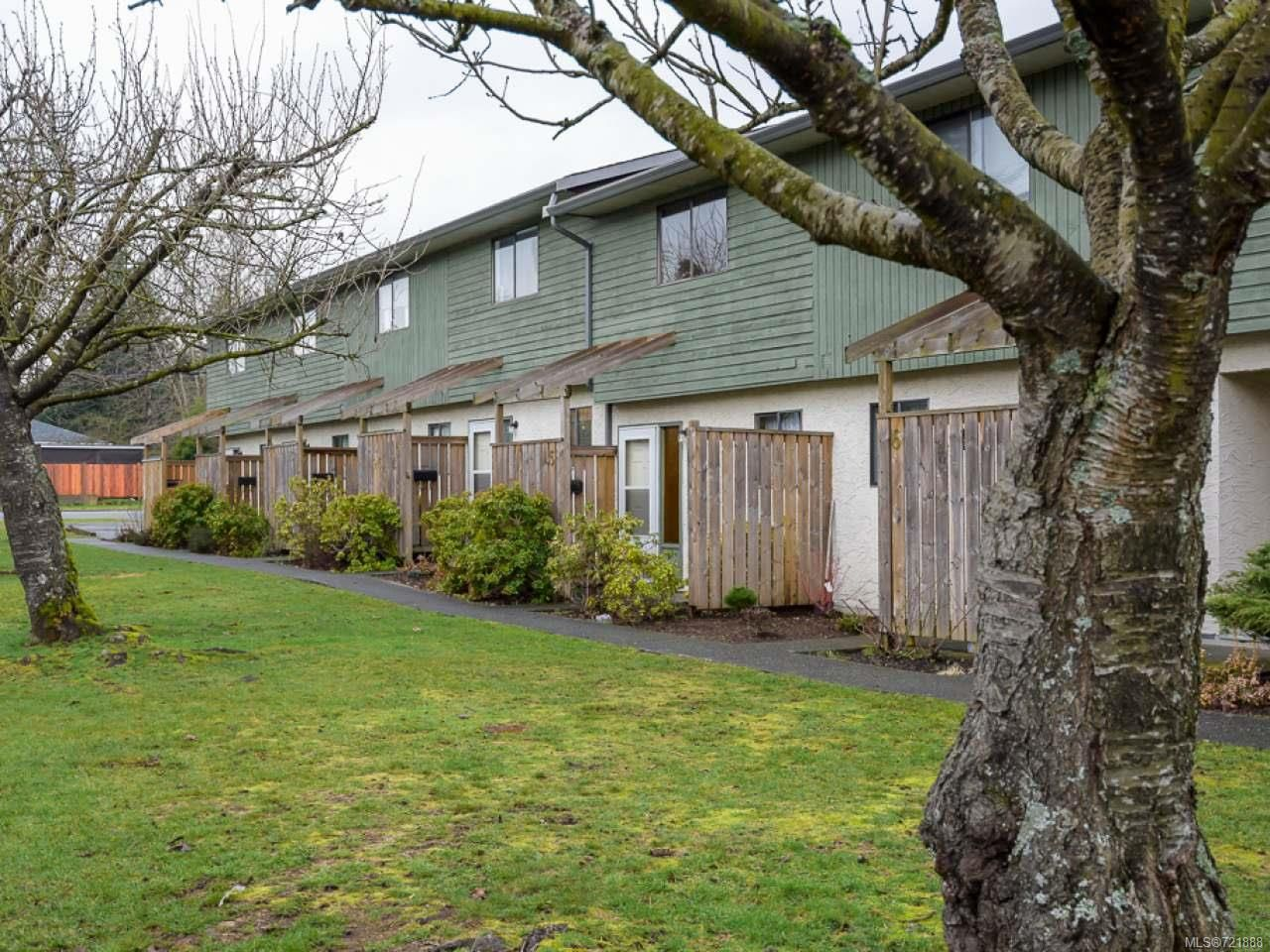 Main Photo: 4 951 17th St in COURTENAY: CV Courtenay City Row/Townhouse for sale (Comox Valley)  : MLS®# 721888