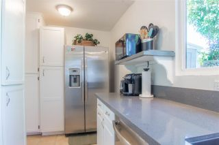 Photo 4: OCEANSIDE Twin-home for sale : 2 bedrooms : 1722 Lemon Heights Drive