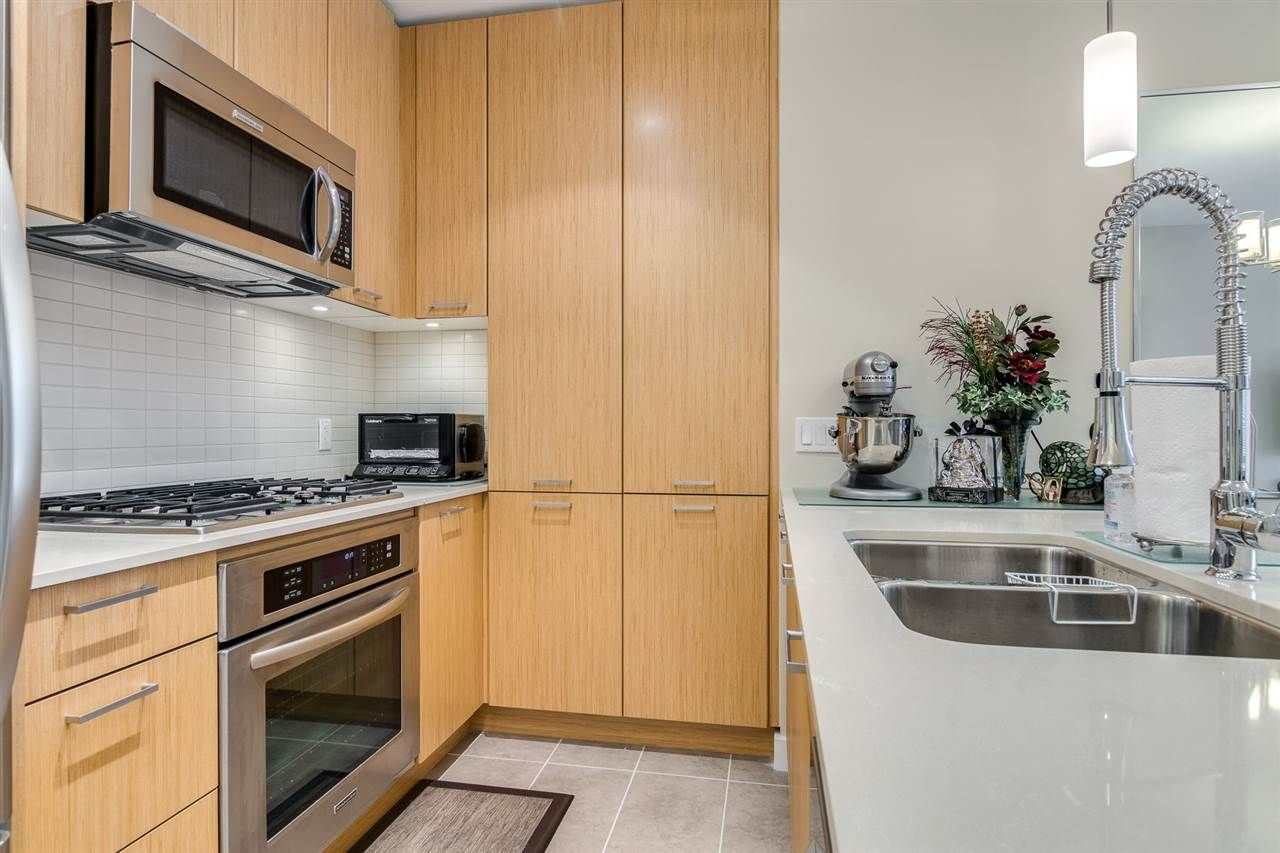 """Photo 11: Photos: 204 301 CAPILANO Road in Port Moody: Port Moody Centre Condo for sale in """"The Residences"""" : MLS®# R2474301"""