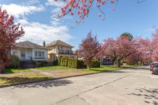 Photo 1: 1926 W 42ND Avenue in Vancouver: Kerrisdale House for sale (Vancouver West)  : MLS®# R2161088