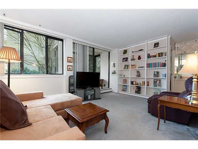 """Photo 3: Photos: 102 1740 COMOX Street in Vancouver: West End VW Condo for sale in """"THE SANDPIPER"""" (Vancouver West)  : MLS®# V945019"""