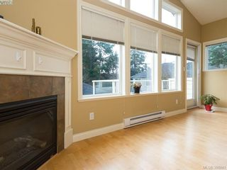 Photo 3: 71 850 Parklands Dr in VICTORIA: Es Gorge Vale Row/Townhouse for sale (Esquimalt)  : MLS®# 775780