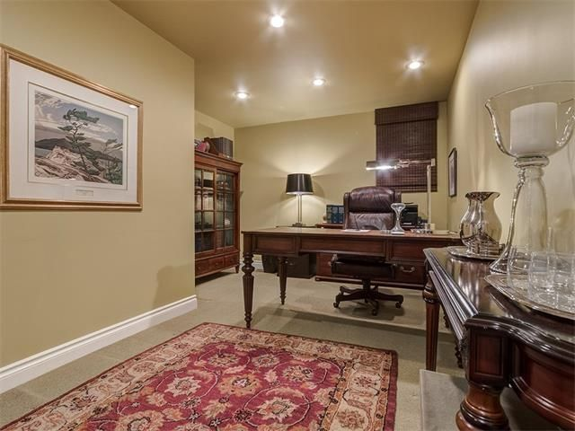 Photo 38: Photos: 7016 KENOSEE Place SW in Calgary: Kelvin Grove House for sale : MLS®# C4055215