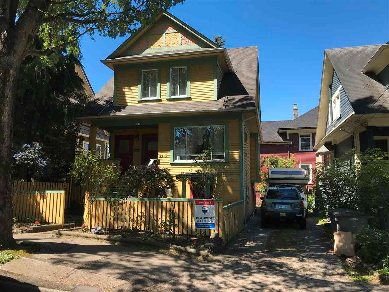 Main Photo: 2213 ONTARIO Street in Vancouver: Mount Pleasant VW House for sale (Vancouver West)  : MLS®# R2583696