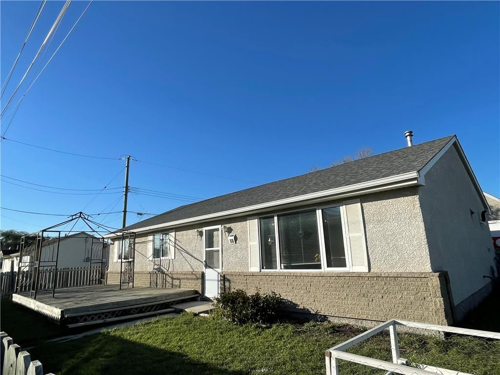 Main Photo: 510 Whytewold Road in Winnipeg: Jameswood Residential for sale (5F)  : MLS®# 202123152