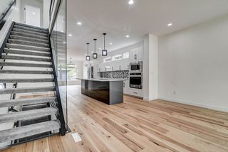 Photo 6: 8503 84 Avenue in Edmonton: Zone 18 House for sale : MLS®# E4231180