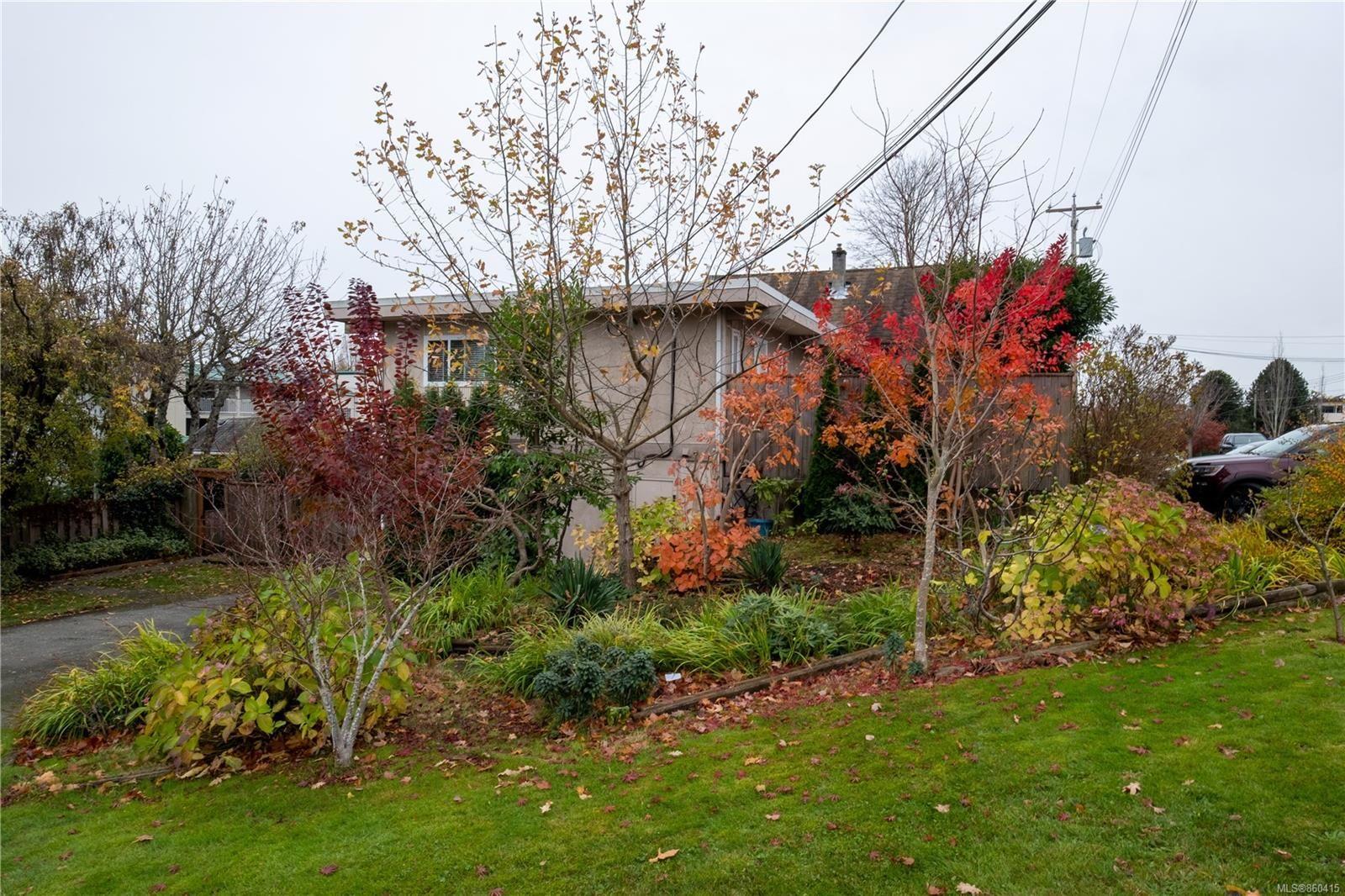 Main Photo: 181 Rosehill St in : Na Brechin Hill Quadruplex for sale (Nanaimo)  : MLS®# 860415
