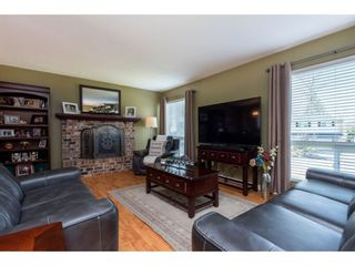 Photo 4: 3710 ROBSON Drive in Abbotsford: Abbotsford East House for sale : MLS®# R2561263