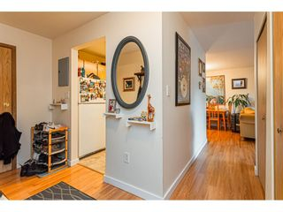 """Photo 14: 108 33850 FERN Street in Abbotsford: Central Abbotsford Condo for sale in """"Fernwood Manor"""" : MLS®# R2430522"""