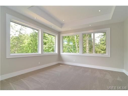 Photo 13: Photos: 111 Parsons Rd in VICTORIA: VR Six Mile House for sale (View Royal)  : MLS®# 684415