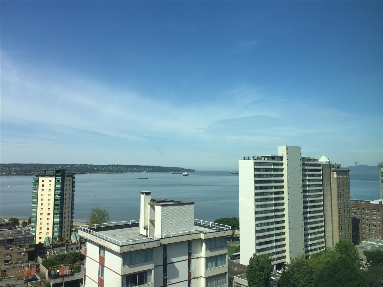 """Photo 4: Photos: 1706 1740 COMOX Street in Vancouver: West End VW Condo for sale in """"Sandpiper"""" (Vancouver West)  : MLS®# R2172816"""