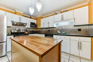 Photo 2: 125 3 RIALTO Court in New Westminster: Quay Condo for sale : MLS®# R2234970