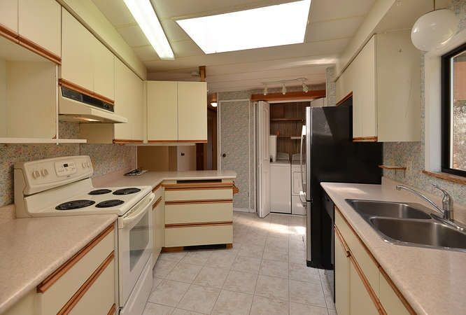 Photo 12: Photos: 221 SECOND Street in Gibsons: Gibsons & Area House for sale (Sunshine Coast)  : MLS®# R2259750