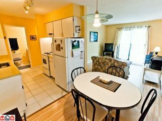 """Photo 2: 220 1442 BLACKWOOD Street: White Rock Condo for sale in """"Blackwood Manor"""" (South Surrey White Rock)  : MLS®# F1106343"""