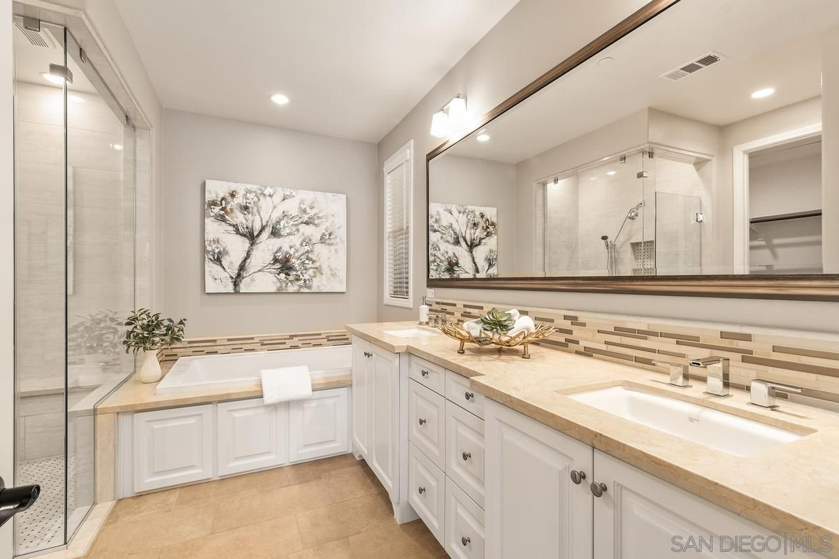 Photo 14: Photos: RANCHO BERNARDO House for sale : 3 bedrooms : 8012 Auberge Circle in San Diego