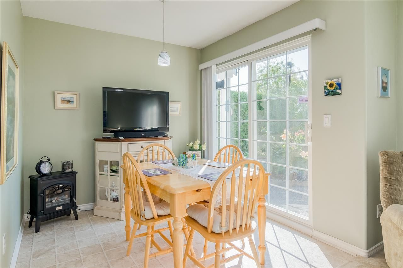 """Photo 10: Photos: 17 13499 92 Avenue in Surrey: Queen Mary Park Surrey Townhouse for sale in """"CHATHAM LANE"""" : MLS®# R2403467"""
