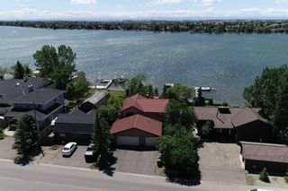 Photo 2: 305 EAST CHESTERMERE Drive: Chestermere Detached for sale : MLS®# A1120033