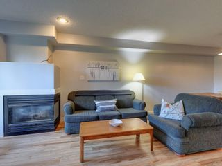Photo 4: 2 2828 Shelbourne St in : Vi Oaklands Row/Townhouse for sale (Victoria)  : MLS®# 866174