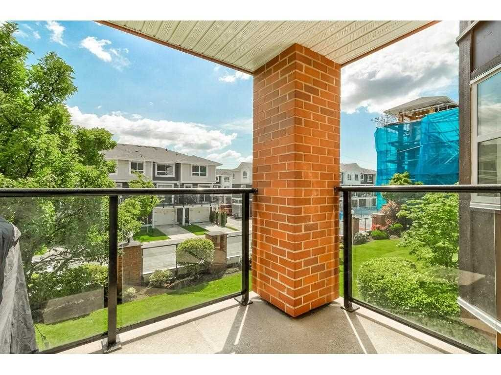 """Photo 21: Photos: 206 19774 56 Avenue in Langley: Langley City Condo for sale in """"Madison Station"""" : MLS®# R2582566"""