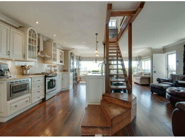 """Main Photo: 15570 VICTORIA Avenue: White Rock House for sale in """"East Beach - White Rock"""" (South Surrey White Rock)  : MLS®# F1319657"""