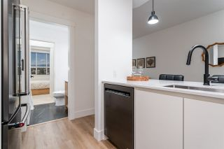"""Photo 12: 415D 2180 KELLY Avenue in Port Coquitlam: Central Pt Coquitlam Condo for sale in """"Montrose Square"""" : MLS®# R2538522"""