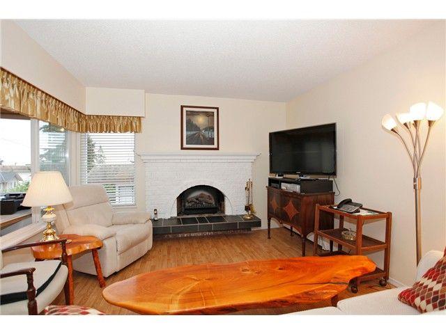 Photo 11: Photos: 302 1390 Martin Street: White Rock Condo for sale (South Surrey White Rock)  : MLS®# F1427952