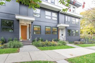 Main Photo: 2627 GUELPH Street in Vancouver: Mount Pleasant VE Townhouse for sale (Vancouver East)  : MLS®# R2621103