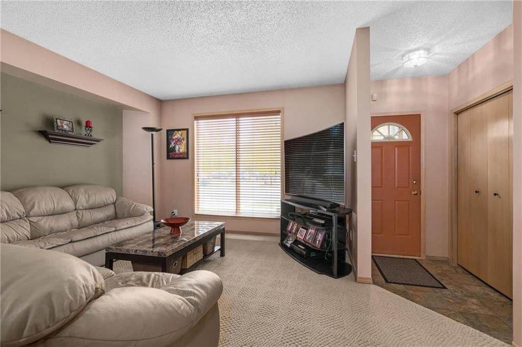 Photo 2: Photos: 144 Maplegrove Road in Winnipeg: Riverbend Residential for sale (4E)  : MLS®# 202024993