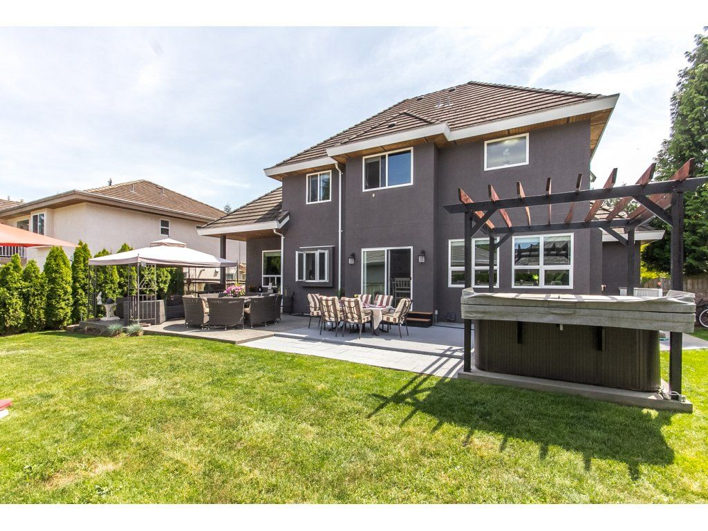"Photo 57: Photos: 21113 44A Avenue in Langley: Brookswood Langley House for sale in ""CEDAR RIDGE"" : MLS®# R2173937"