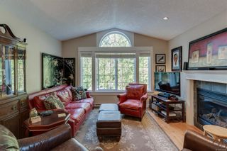 Photo 4: 3377 Sewell Rd in : Co Triangle House for sale (Colwood)  : MLS®# 870548