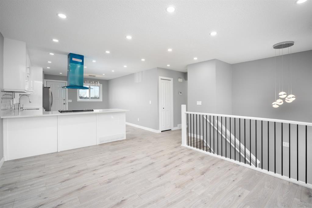 Main Photo: 1504 Mardale Way NE in Calgary: Marlborough Detached for sale : MLS®# A1083168