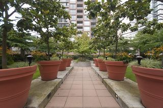 """Photo 17: 603 969 RICHARDS Street in Vancouver: Downtown VW Condo for sale in """"Mondrian"""" (Vancouver West)  : MLS®# R2074580"""