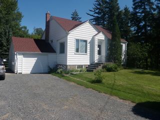 Photo 1: 145 South Third Street in Beausejour: South end House for sale
