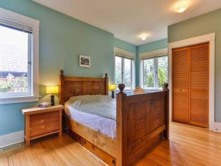"""Photo 9: 1976 NAPIER Street in Vancouver: Grandview VE House for sale in """"COMMERCIAL DRIVE"""" (Vancouver East)  : MLS®# R2082902"""