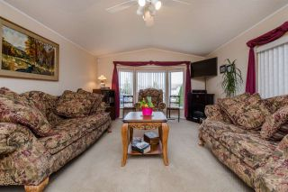 """Photo 3: 29 41168 LOUGHEED Highway in Mission: Dewdney Deroche Manufactured Home for sale in """"OASIS COUNTRY ESTATES"""" : MLS®# R2042355"""