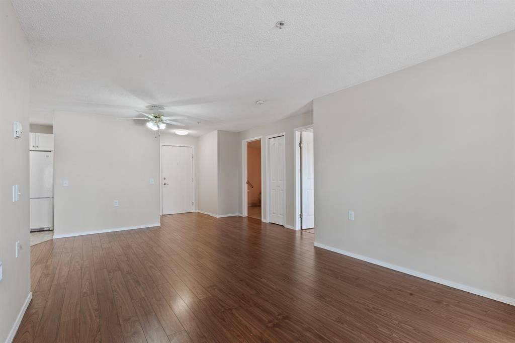 Photo 5: Photos: 205 5000 Somervale Court SW in Calgary: Somerset Apartment for sale : MLS®# A1101602