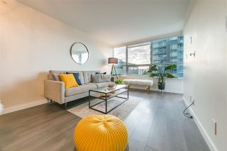 "Photo 5: 305 112 E 13TH Street in North Vancouver: Central Lonsdale Condo for sale in ""CENTREVIEW"" : MLS®# R2535152"