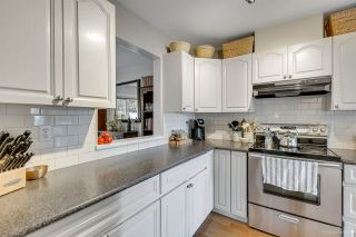 Photo 9: 37 181 RAVINE Drive in Port Moody: Heritage Mountain Townhouse for sale : MLS®# R2371648